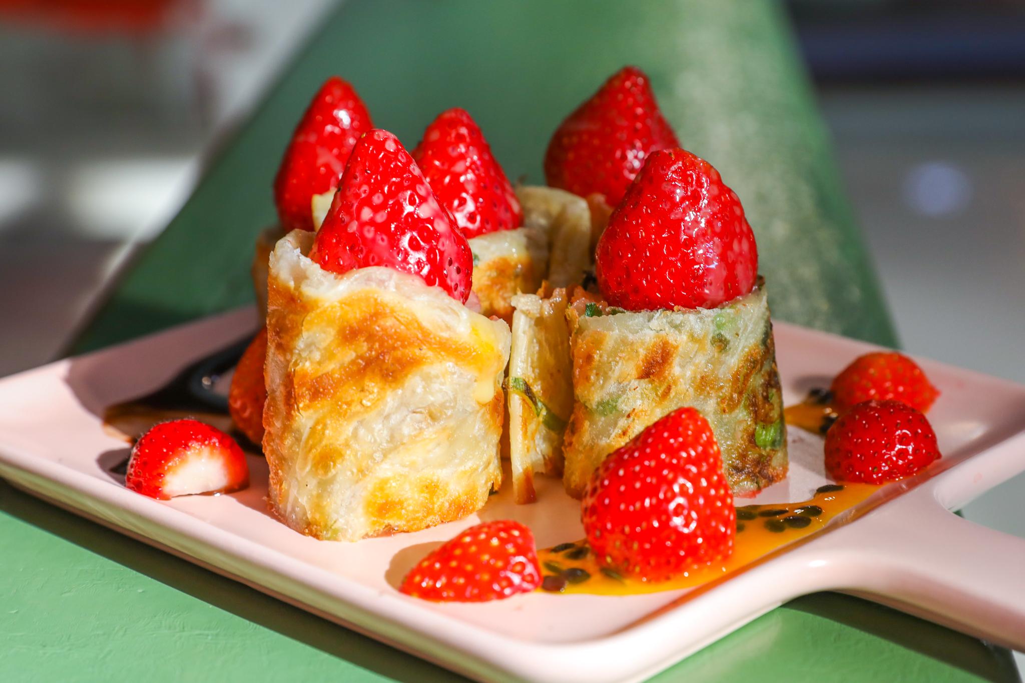 草莓鬆餅,草莓蛋糕,草莓蛋餅,草莓麻糬,草莓大福,草莓,台北美食,台北咖啡館