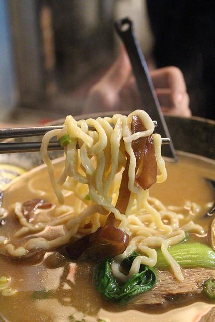 【台北北投拉麵】滿客屋拉麵(原滿來滿拉麵),好吃的台式拉麵~新北投捷運站