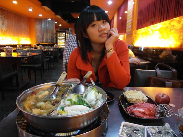 【台北】皇家帝國鴛鴦火鍋~西門町吃到飽~麻辣火鍋吃到飽