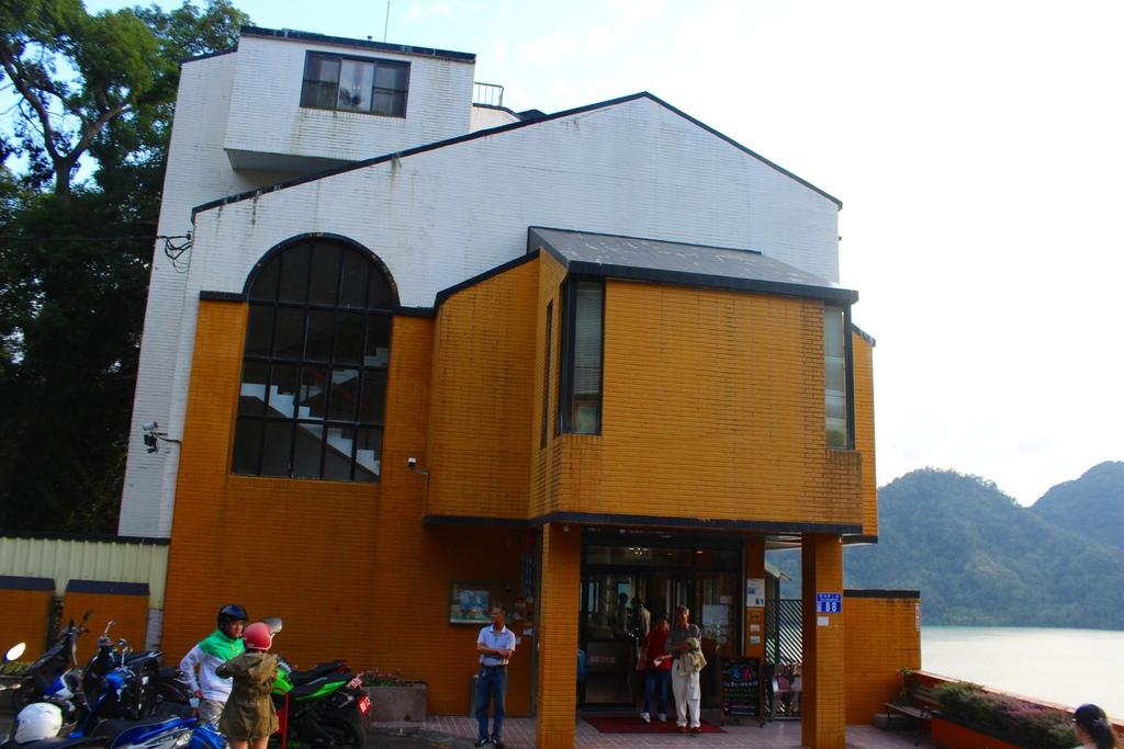 桃園大溪湖畔 石門水庫咖啡廳