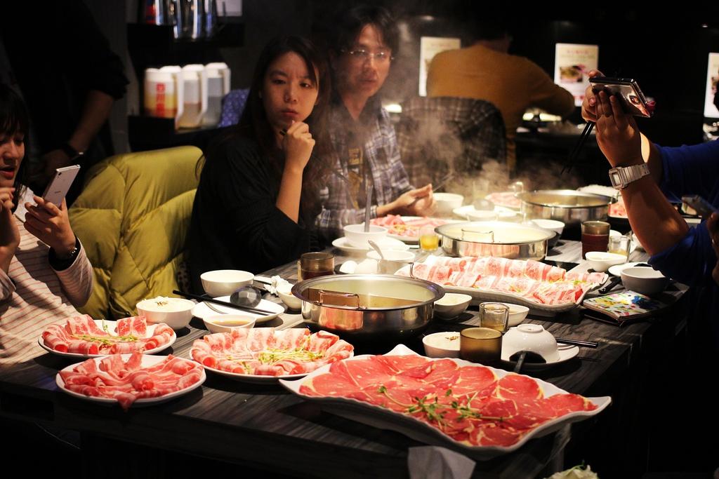 台北中山區火鍋 好食多涮涮屋   菜盤換肉片