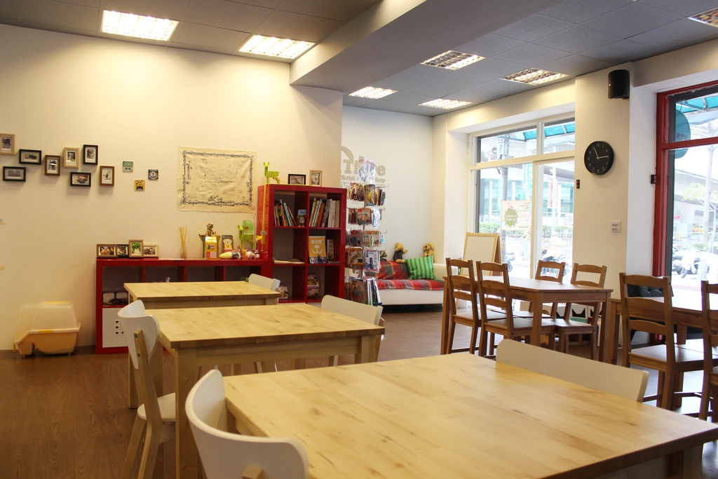Tiere Pet Hotel / 堤柇 寵物住宿 人文咖啡新北板橋早午餐輕食 寵物餐廳 可以帶寵物的餐廳
