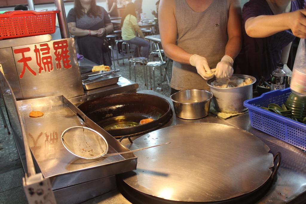 新北市三重 三和夜市美食 現炸天婦羅 三絲丸湯