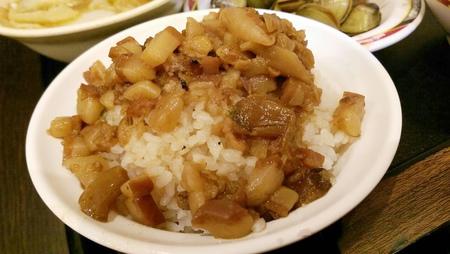 三重好吃魯肉飯,蓮霧魯肉飯.今大滷肉飯.五燈獎魯肉飯.店小二魯肉飯.三重魯肉飯推薦