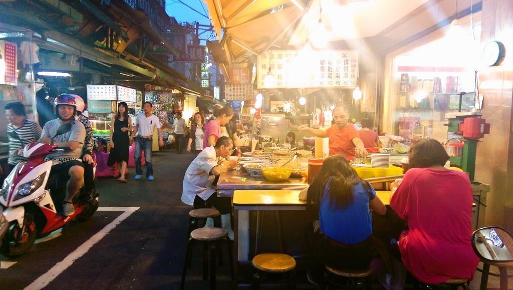 三重大同南路好吃無名 夏天冰店 冬天紅豆湯攤位